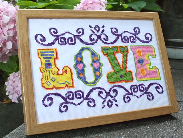'LOVE' Cross-stitch kit